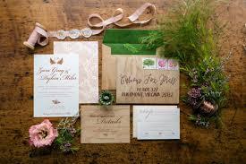Ada beragam layout yang bisa digunakan beri sentuhan pribadi pada undangan pernikahan anda dengan desain khusus di canva! Ingin Buat Undangan Pernikahan Bahasa Inggris Inilah Contohnya Wedding Market