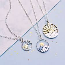 crescent moon and star necklace meaning traumspuren