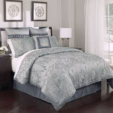 High End Linens Exhibiting Luxurious Vibes in Your Bedroom Decoration