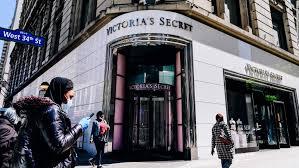 victoria s secret is closing a quarter