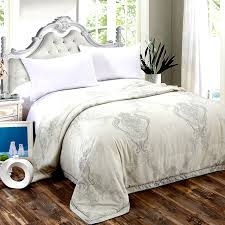 Aliexpress.com : Buy 2017 Fashion 100% Silk Quilt! Summer Thin ... & 2017 Fashion 100% Silk Quilt! Summer Thin Quilts Bedding Filler/Filling  Queen King Adamdwight.com