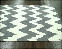 gray and white chevron area rug gray chevron rug gray chevron rug captivating yellow chevron area rug yellow chevron area rug home design ideas gray white