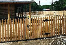 Building A Picket Fence Gate Wood Picket Fence Gate Building Picket