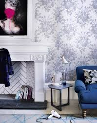 zones bedroom wallpaper: modern living room with white fireplace and floral wallpaper