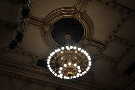 Fileravensburg Konzerthaus Zuschauerraum Decke Kronleuchter