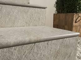 Piastrelle Antiscivolo Per Piscina : Piastrelle per gradini pavimenti esterno tipi di