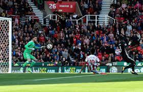 Stoke tira os primeiros pontos ao Manchester United na Premier League