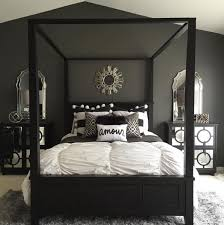 Stunning bold black, white and grey bedroom design with simple accents |  @haneenmatt