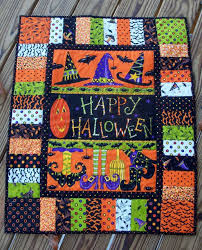 Best 25+ Halloween quilts ideas on Pinterest | Halloween ... & Best 25+ Halloween quilts ideas on Pinterest | Halloween . Adamdwight.com
