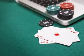 Demystifying Live Vs. Online Poker | Online Casino Slots