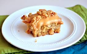 Yammies Noshery Aunt Pats Banana Cake With Caramel Frosting
