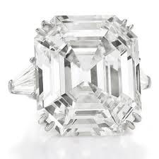 <b>Elizabeth Taylor Diamonds</b> Fetch Record Prices At Auction