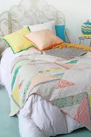 35 More Free Modern Quilt Patterns - wow i like that &  Adamdwight.com
