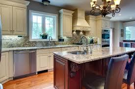 creme maple glazed kitchen gallery 09