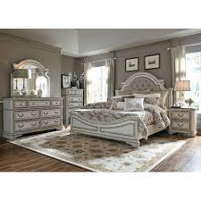 Antique White Traditional 4 Piece Queen Bedroom Set - Magnolia Manor ...