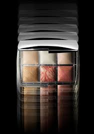 Ghost <b>Holiday</b> 2019 Collection | <b>Hourglass</b> Cosmetics
