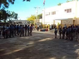 Resultado de imagen para Fotos de anegación de lluvias en sectores de Pedernales incluyendo la escuela Hernando Gorjon