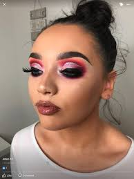 highlight and contour brown lipstick and lipgloss half cut crease with glitter liner matte eyeshadows insram eyebrows on fleek full face