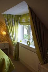way of hanging curtains