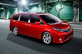 Refreshing or Revolting: 2015 Toyota Sienna - Motor Trend WOT