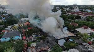 ไฟไหม้ร้านทำไม้พาเลท บ้านใกล้เคียงวอดไป 5 หลัง สยามรัฐ