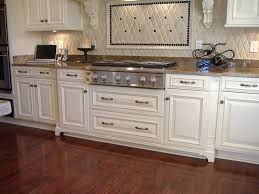with only 1 4th of an inch between cabinet doors pulls or knobs are needed here are pictures of full overlay cabinet doors