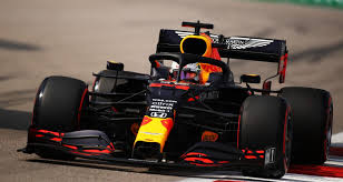 The red bull driver was fastest in second practice but expects mercedes to come back strongly on saturday. Gp D Emilie Romagne De F1 La Crevaison De Max Verstappen En Video