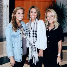 Meet the girls of the Greene family! Colette Greene (mother) is in the  Evening Program. Maggie (oldest daughter)… | Teaching college, Student  life, Evening programs