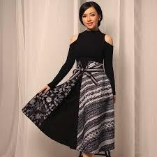 Menjelaskan model baju batik unik terkini, baju batik kerja, baju batik kantor, baju batik keluarga, baju batik seragam, busana batik modern, baju batik unik, batik polos. 30 Model Baju Batik Wanita Terbaru Modern Formal