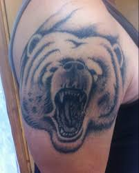 татуировка медведя на плече татуировки тату салон на колхозке