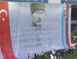 Trabzonspor taraftarından Atatürk pankartı