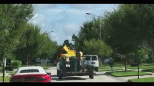 Kissimmee Hoa Walks Off With Residents Trash Bins