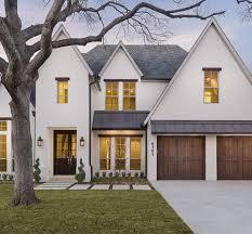 Love this white exterior | e x t e r i o r s | Modern farmhouse ...