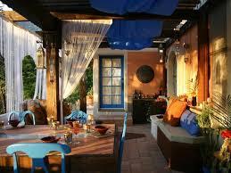 Outdoor home decor ideas, orange and blue color design