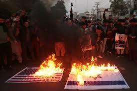 Iran, continuano le proteste al grido di: «Morte all'America ...