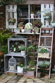 17 brilliant planter stand alternatives to transform your backyard homesthetics 4
