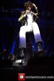 Mika Charts Mika Claims Top Spot On Uk Chart Mika Live 2007 Uk