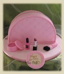cosmetic bag cake tutorial