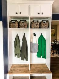 how to build diy mudroom coat bench with basket step by step