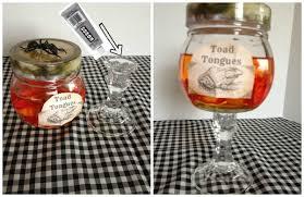 DIY Halloween Apothecary Jars Tutorial | TodaysCreativeLife.com
