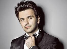 Datorită feedback-ului pozitiv pe care l-a primit din partea cluburilor şi radiourilor din Romania dar şi nu numai, Ali Kiani, artist al labelului 1Artist ... - Ali-Kiani