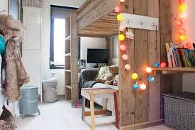 Elegant How You Can Use String Lights To Make Your Bedroom Look Dreamy