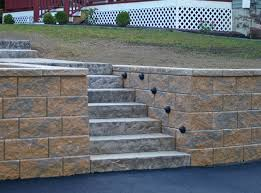 outdoor retaining wall lighting advice for your home