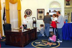 oval office picture. A Full-Size Oval Office Replica Picture