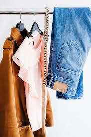 服の流行りまるわかりトレンドアイテムからコーデまで2019