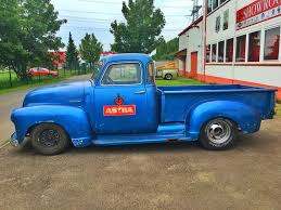 1947-Chevy-3100-Pickup-V8-350-Stepside-V8-Sound - YouTube