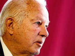 Edwin Edwards: Colourful and ...