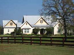 Romantic American Home Design With Classic Victorian Models And Classic Country Style Homes