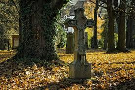 Prawo do grobu - czy możliwa jest sprzedaż miejsca na cmentarzu? | Prawnik