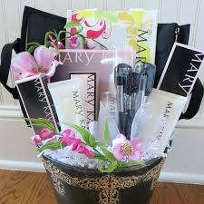 makeup gift basket ideas useful gifts for mom that would surely thrill her holiday gift baskets